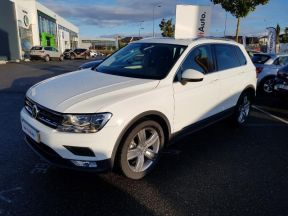 Photo n°1 de l'annonce de VOLKSWAGEN Tiguan 2.0 TDI 150ch BlueMotion Technology Confortline Business occasion de couleur PURE WHITE à vendre à Onet-le-Château